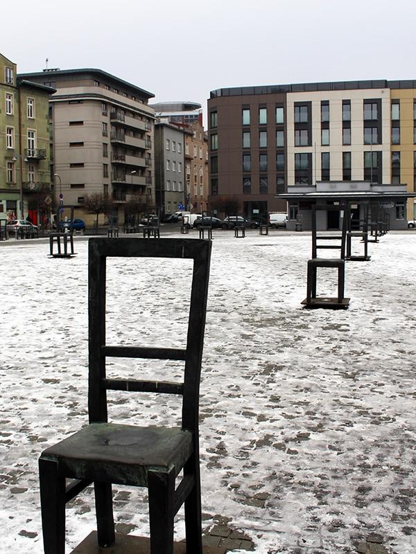 Cracovia Monumento delle sedie vuote