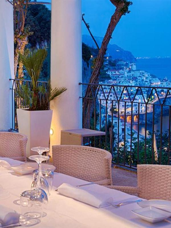 Vista incredibile dalla terrazza del ristorante dell'Hotel Gran Convento ad Amalfi