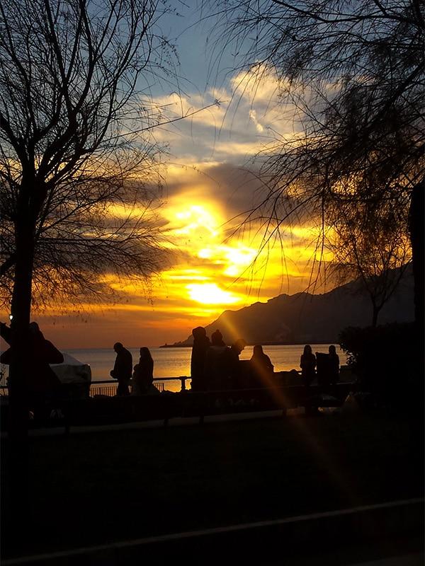 Tramonto suggestivo sul Golfo di Salerno, visto dal Lungomare Trieste