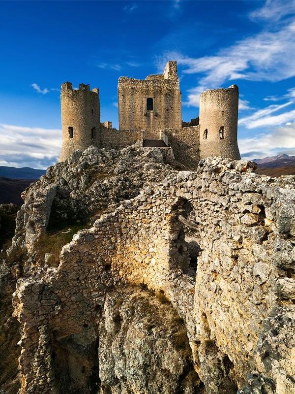 Borghi italiani da vedere nell'Abruzzo: Calascio (L'Aquila)