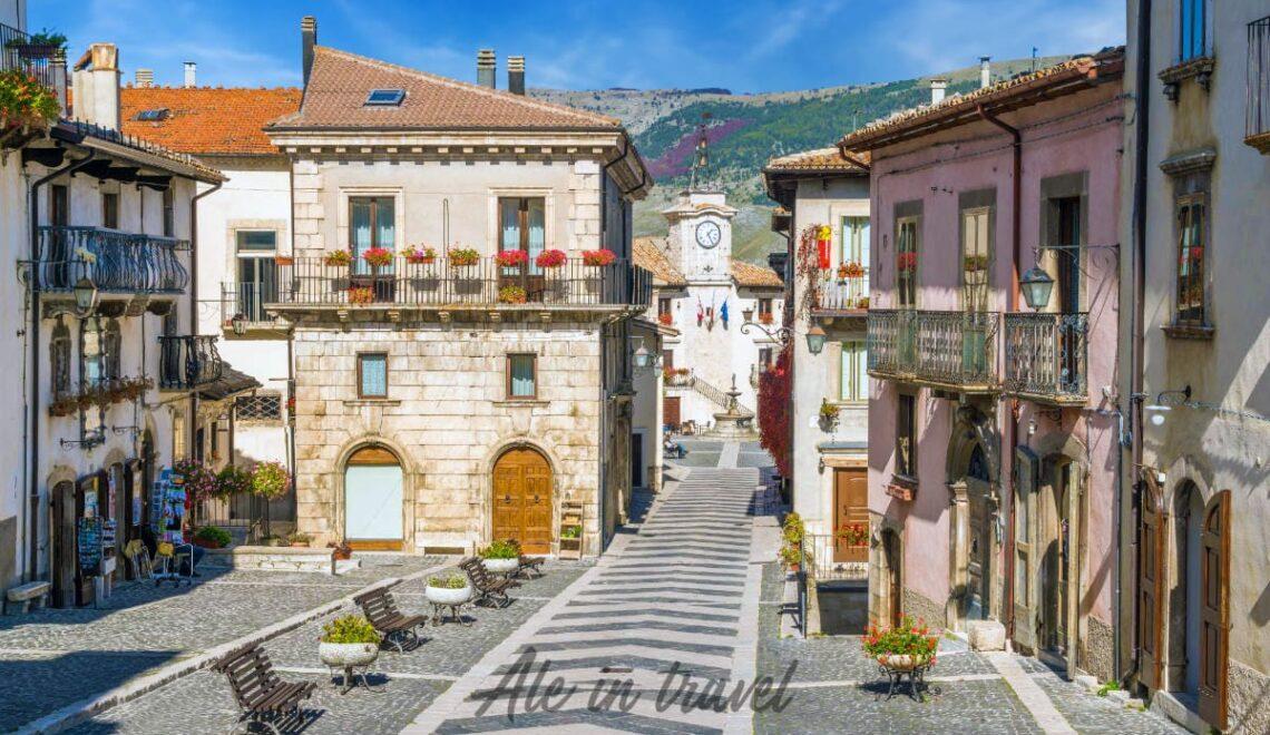 Scorcio del centro storico di Pescocostanzo, in Abruzzo