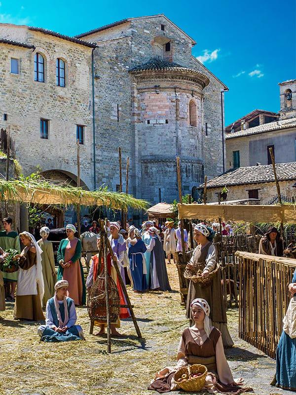 """Dettaglio del festival medievale """"Il Mercato delle Gaite"""", che si svolge ogni estate a Bevagna"""