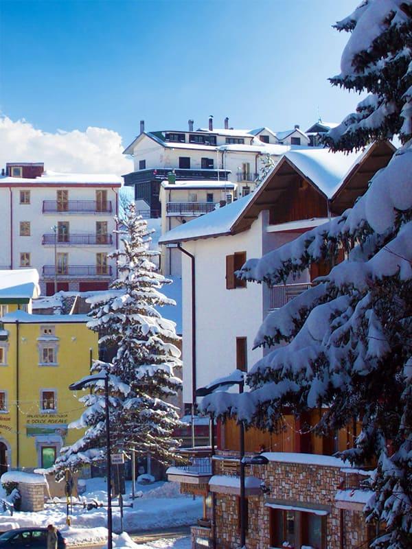 Roccaraso, una delle località sciistiche più famose dell'appennino abruzzese e di tutta Italia.